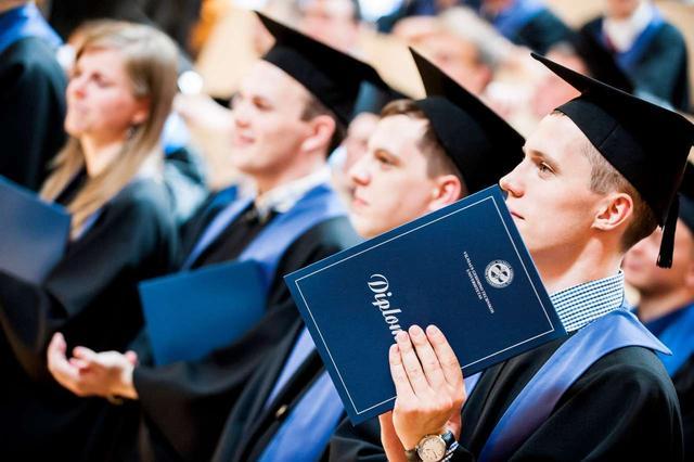 高考失利,精莺教育助你在留学路上乘风破浪